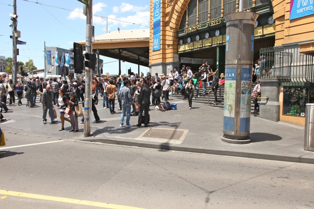 Flinders St Station crowd