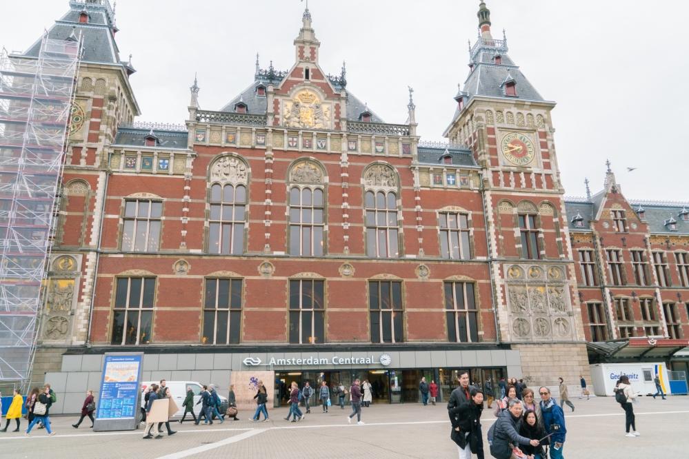 Amsterdam-Central Station.jpg
