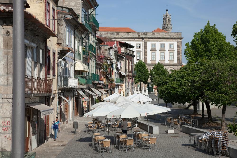 Porto street cafe 3.jpg